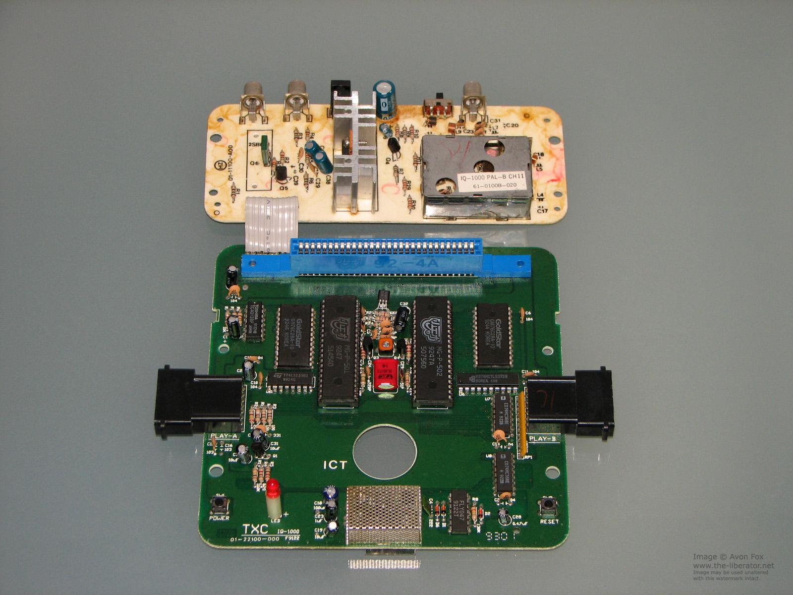 Micro Genius Iq  Famicom Clone